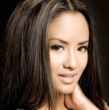 Emmalyn is the younger sister of British Columbia Filipina-Canadian R&B star ...