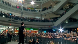Shawn Mendes mall of America 1