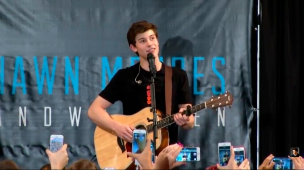 Shawn Mendes mall of america 2