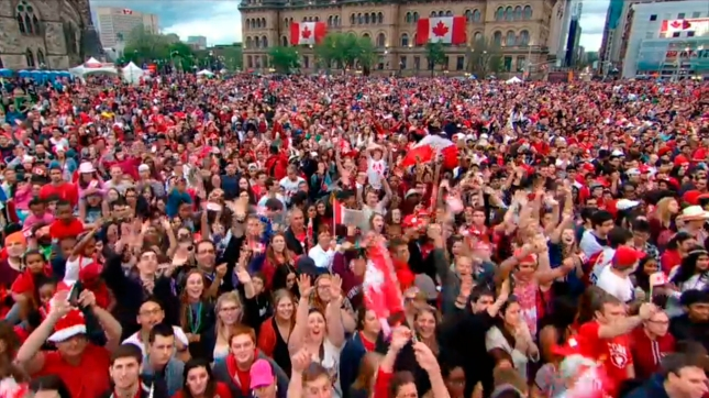 02 - Parliament Hill Crowd