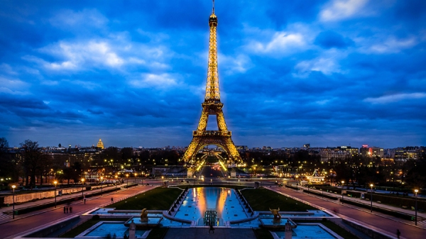 Eiffel-Tower-Lightning Images