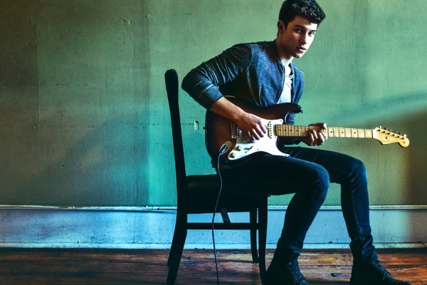 shawn mendes - illuminate banner